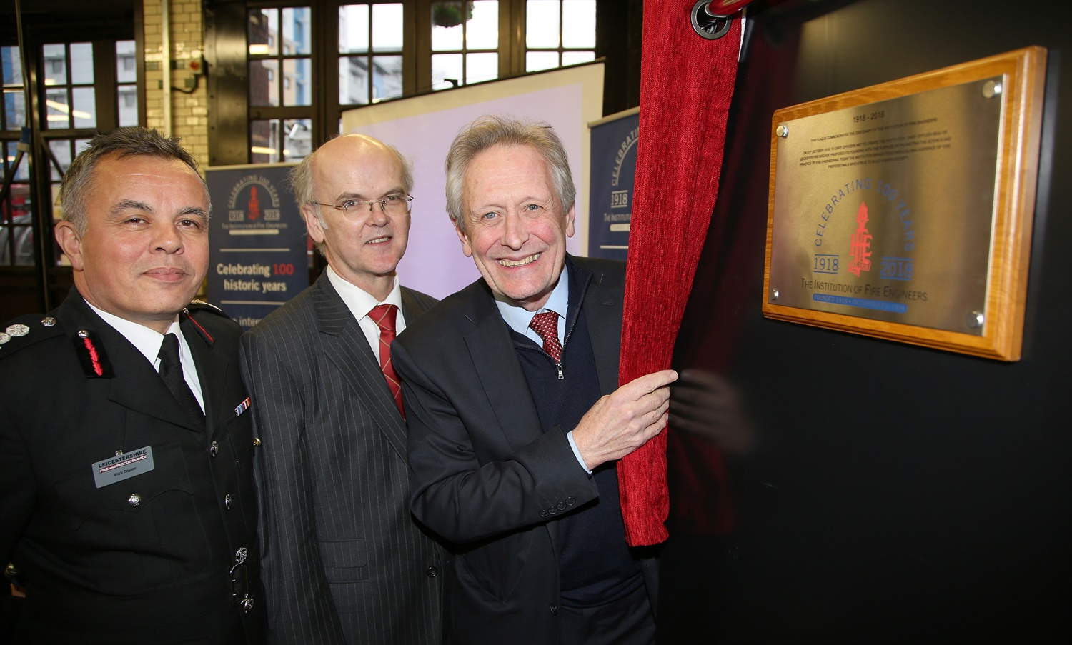 Image 1 - Sir Peter Soulsby unveils IFE plaque